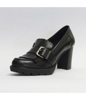 Zapato hebilla tacón alto
